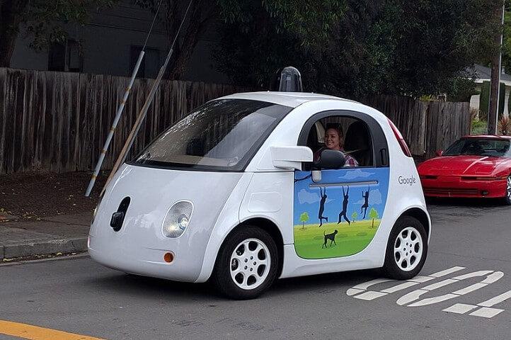 הרכב האוטומי של גוגל WAYMO