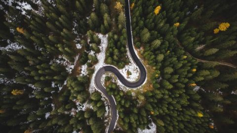 סיבוב מפתיע ומסוכן בכביש ש ESP עשוי לעזור איתו