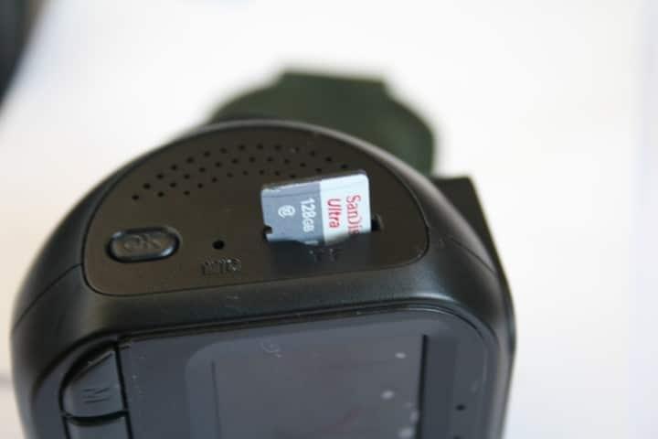 מצלמת דרך עם כרטיס זיכרון